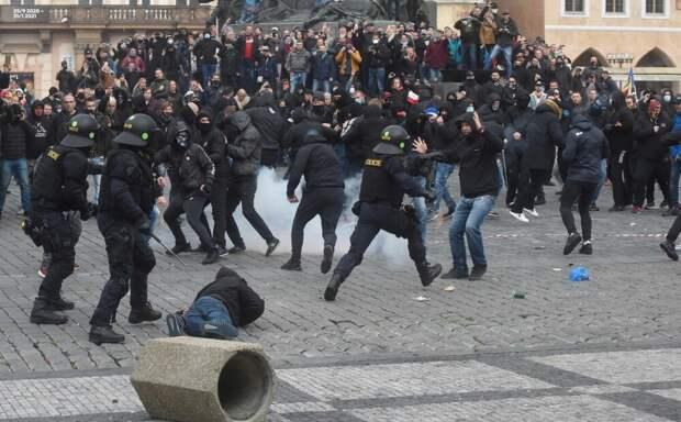 Разгон мирной демонстрации в Праге