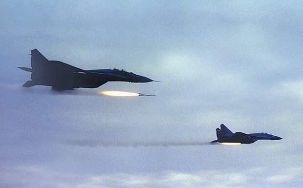 Avia.pro: МиГ-29 разбомбили турецкую технику на авиабазе в Ливии