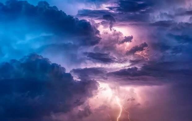 В Рязанской области объявили метеопредупреждение о грозе и порывистом ветре