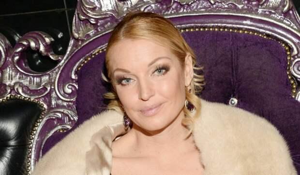 Влажная Волочкова без одежды показала свой веник