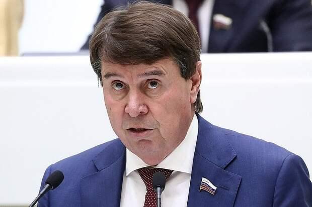 За что Россия высылает пресс-секретаря посольства США
