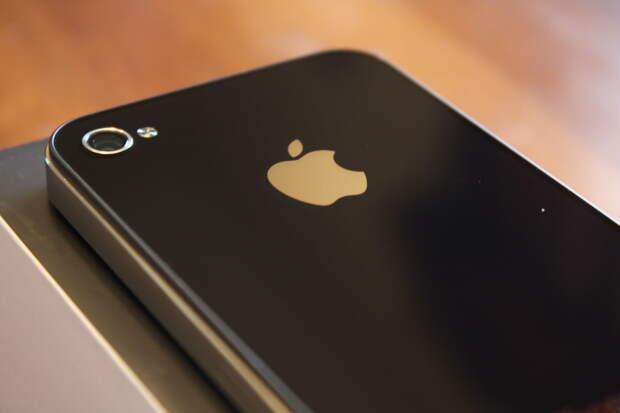 Apple: у пользователей старых моделей iPhone начнутся проблемы с интернетом