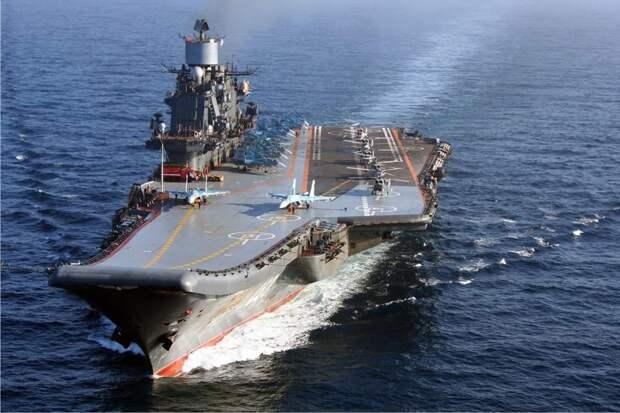 """Американские эксперты называют авианосец """"Адмирал Кузнецов"""" """"проклятым"""" и призывают отказаться от него"""