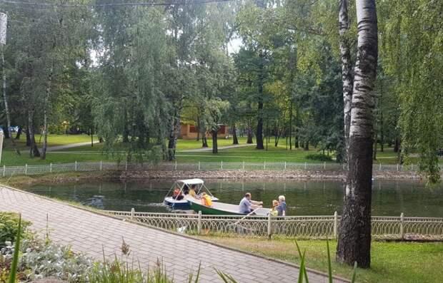 Фотокадр: водные прогулки в Лианозове в последние летние деньки
