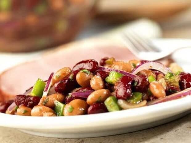 Как приготовить самый вкусный и необыкновенный салат из курицы и фасоли?