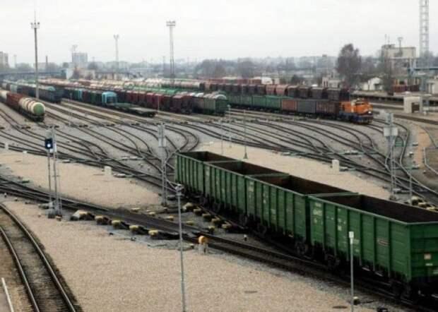 8 тонн подсолнечного масла украли из товарного поезда в Атырауской области