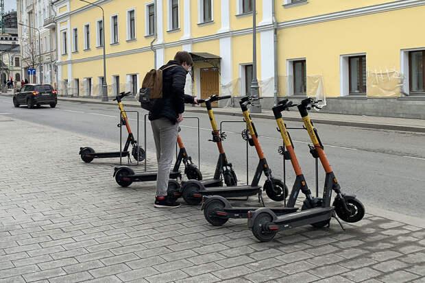 Следователи парализовали работу всех сервисов электросамокатов в Петербурге