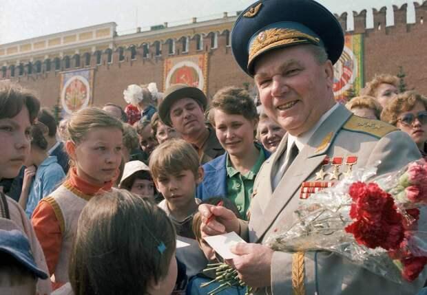 Во время празднования 1 Мая, 1984 год Олег Иванов/ТАСС