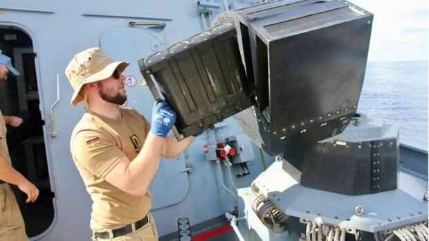 «Ракеты улетят в пустоту»: бундесвер показал «туман», защищающий корабли