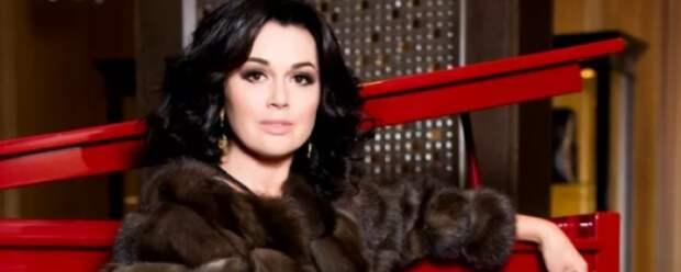 Онкобольная актриса Анастасия Заворотнюк лишилась своего бизнеса