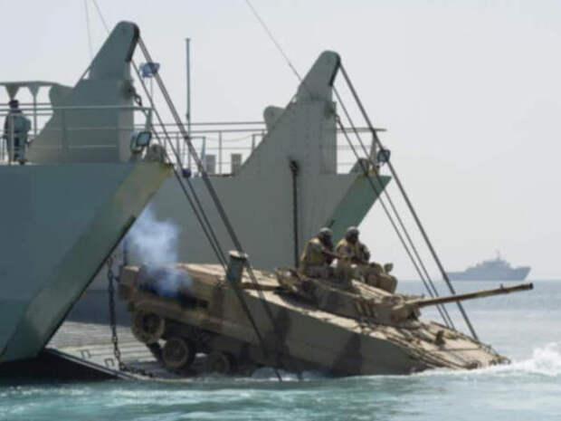 Пентагон: Китай, Россия и Турция вытесняют США из Красного моря