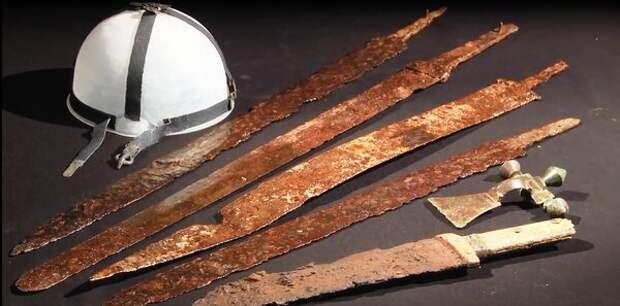 Археологические находки, мечи с дамасской сталью