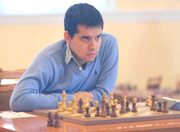 Ян Непомнящий не выиграл, но вышел в  единоличные лидеры на турнире претендентов на матч с Карлсеном