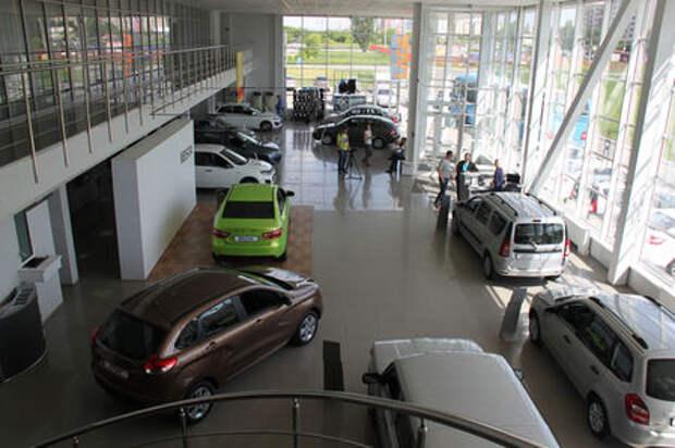 Более половины машин в России продали с помощью программ господдержки