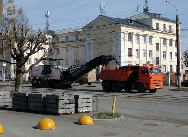 Новые дорожные знаки на улице Ленина в Ижевске и алкоголизм звезды «Игры престолов»: что произошло минувшей ночью