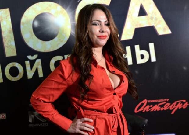 Порнозвезда Беркова заявила о желании балотироваться на пост президента РФ.