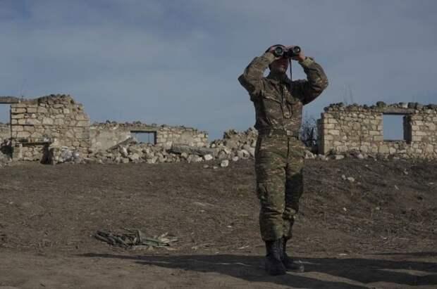 Азербайджан сообщил об обстреле своих подразделений на границе с Арменией