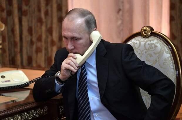 Путин провел телефонный разговор с главой Евросовета