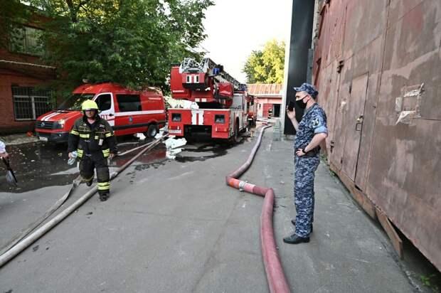 Названа причина пожара на складе пиротехники в центре Москвы