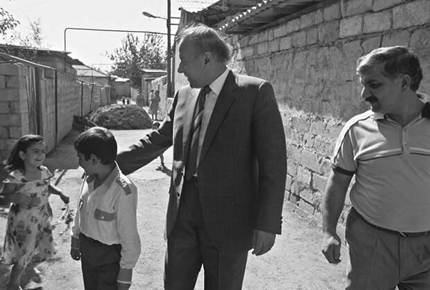 Гейдар Алиев в Нахичевани (Азербайджанская ССР)