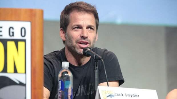 Зак Снайдер одобрил идею Warner Bros. предложить роль Супермена темнокожему актеру