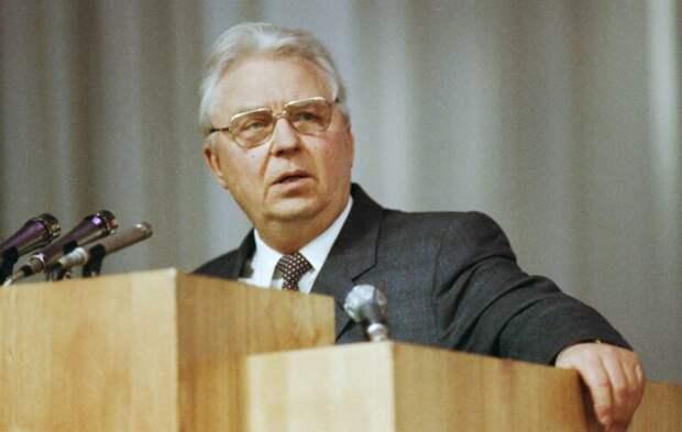 Последний из «красных мамонтов»: умер советский политик Егор Лигачёв