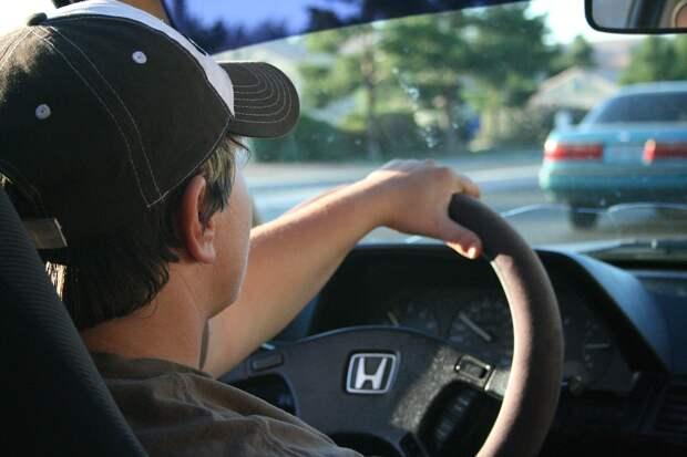 Несовершеннолетних водителей могут выпустить на российские дороги