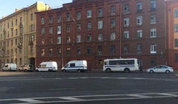 В Питере не дали развернуть флаги белорусским националистам