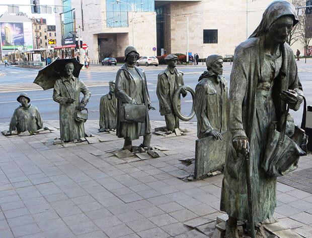 amazing-sculptures-3-57baeebe14a7a__880
