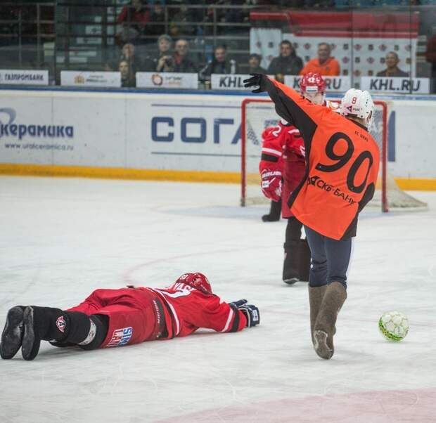 Ледовое побоище в Екатеринбурге (видео)