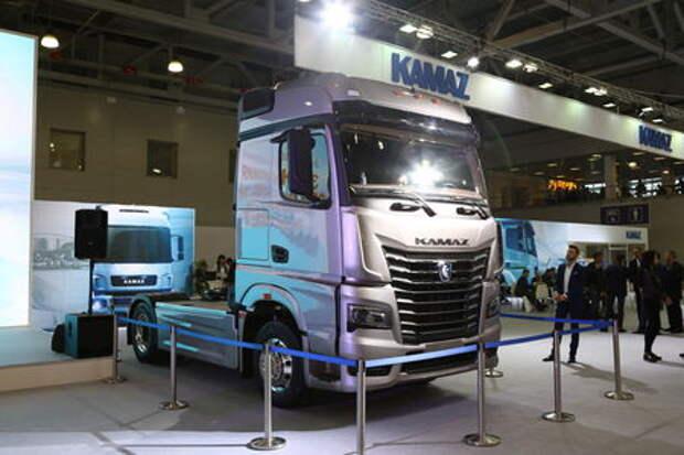 Новый КАМАЗ получил кабину от флагманского Мерседеса