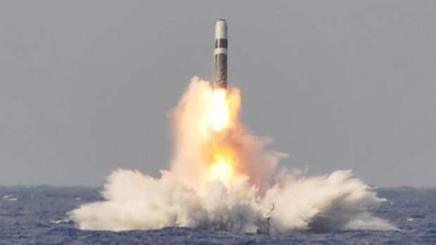 США провели запуски четырех баллистических ракет