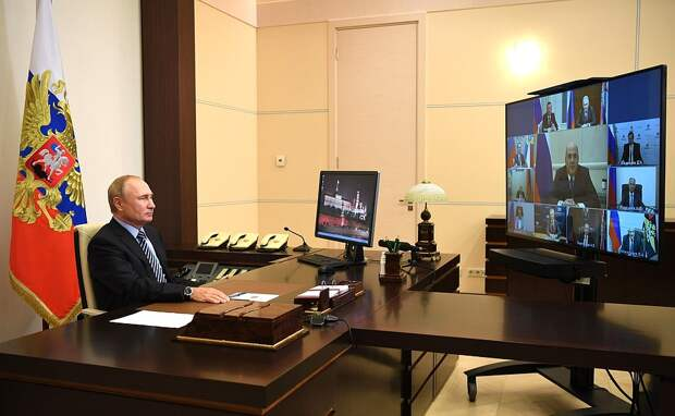 Путин обсудил с Совбезом ситуацию в Белоруссии