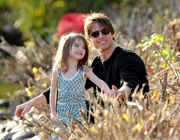 Том Круз намерен забрать дочь у бывшей жены
