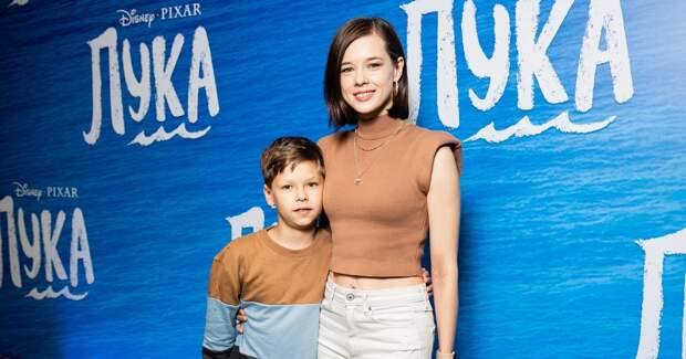 Шпица, Иванова и другие звезды с детьми на премьере мультфильма