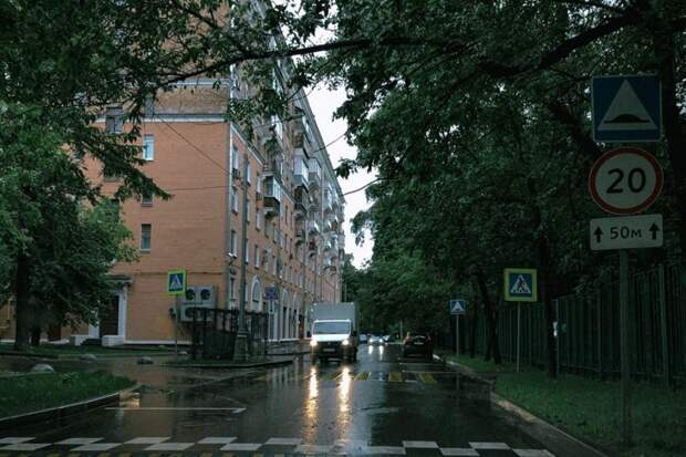 Участок улицы Сальвадора Альенде станет односторонним Фото: Владимир Калиновский
