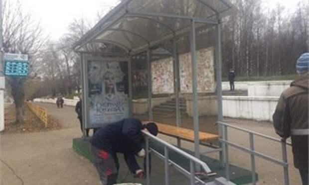 Пырлог раскритиковал обустройство остановок общественного транспорта в Кирове