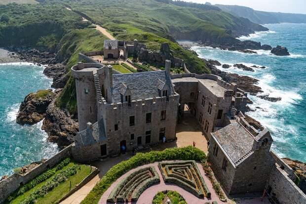 Мой дом – моя крепость: во Франции начали продавать замки по минимальным ценам
