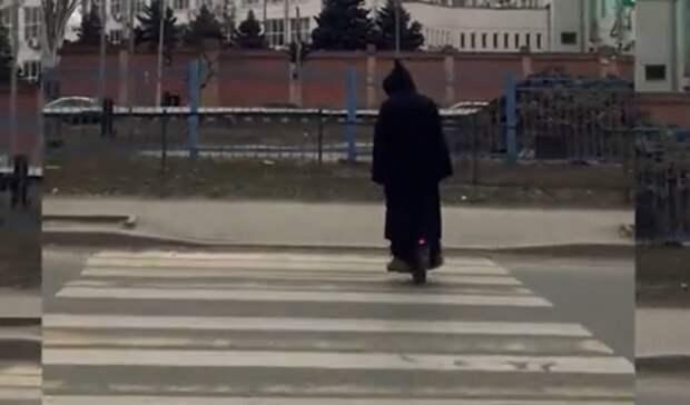 Ростовчанин намоноколесе ивкостюме привидения пугал горожан