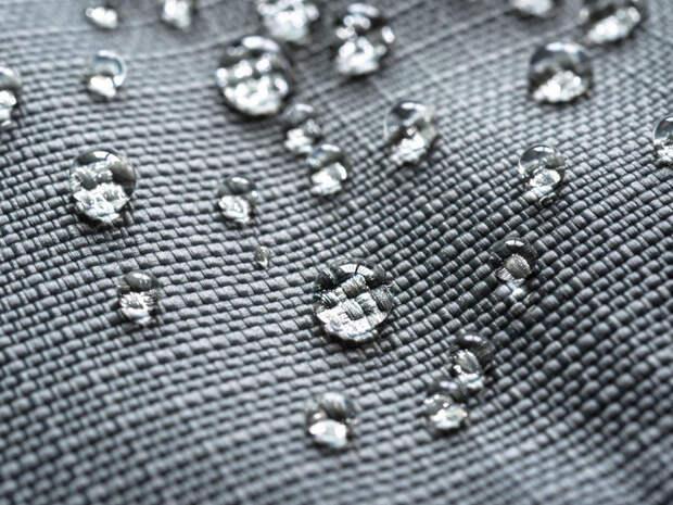 Ученые из Петербурга создали технологию для самоочистки любой ткани