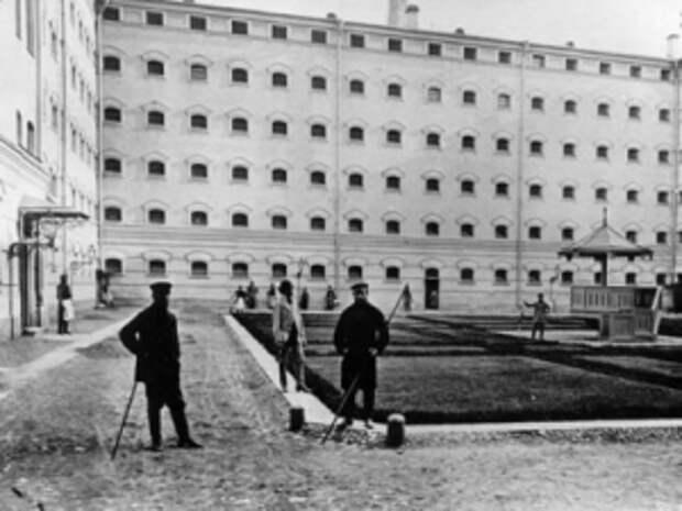Внутренний двор здания Ленинградского управления НКВД