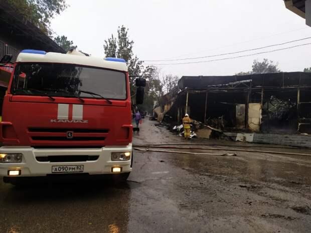 Ночной пожар лишил объектов предпринимателей Феодосии