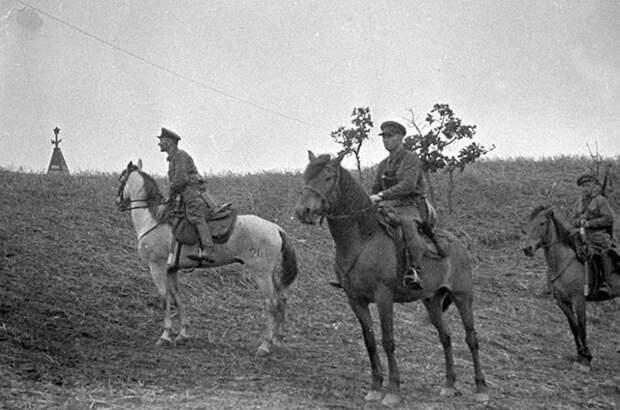 Конный патруль РККА. Хасанские бои, 1938 г.