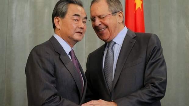 Fenghuang: Китай отозвал Россию из Сирии на правах «старшего брата»