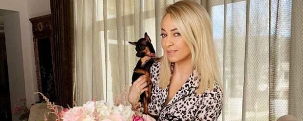 Яна Рудковская показала поклонникам свой обычный завтрак
