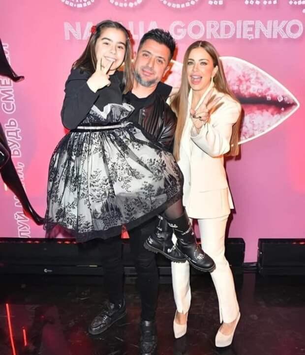 Ани Лорак с бывшим мужем Муратом и дочкой Софией на вечеринке Киркорова