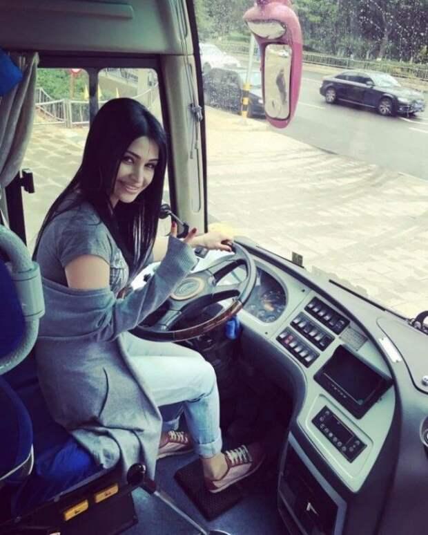 Безумно красивые таджикские девушки, которые заставят сердце биться чаще