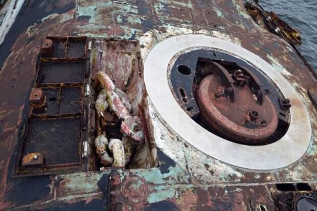 Жизнь и приключения подводной лодки «Украина» (ФОТО)