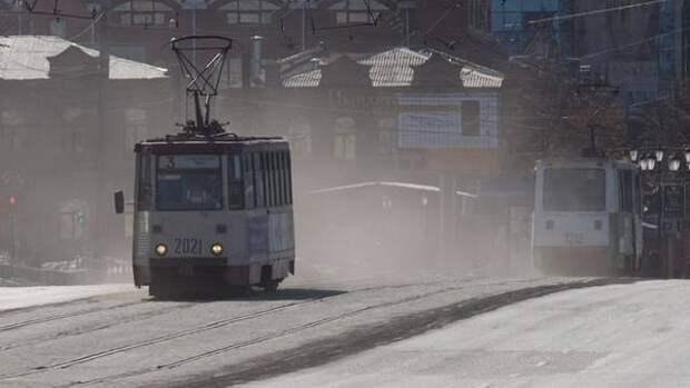В Челябинской области из-за сильного ветра возможны пылевые бури