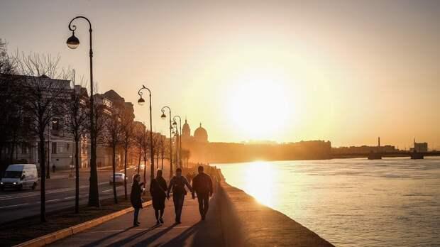 Главный синоптик Петербурга дал прогноз по бабьему лету в городе